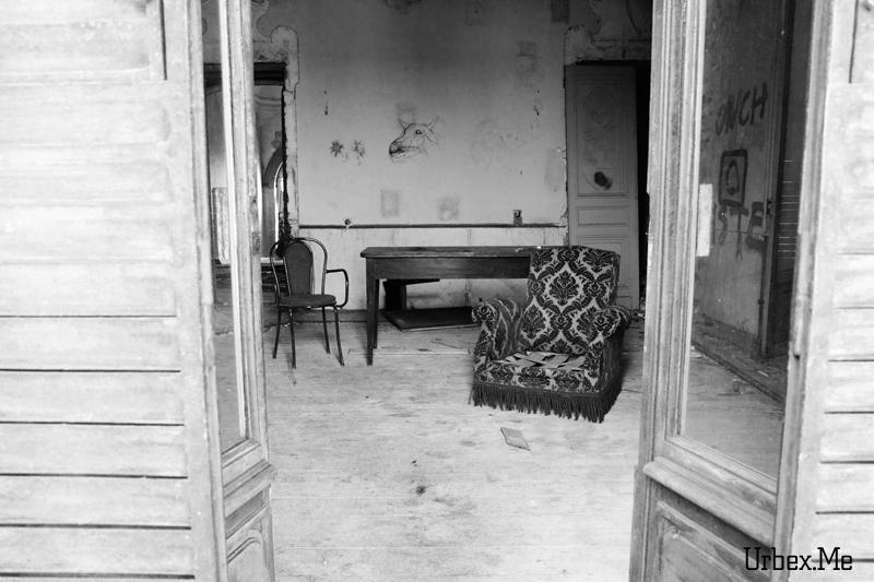 [Image: 1305581388_urbex_chateau_des_rois_04.jpg]